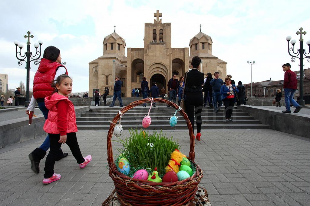 поздравление с пасхой по армянски сториз