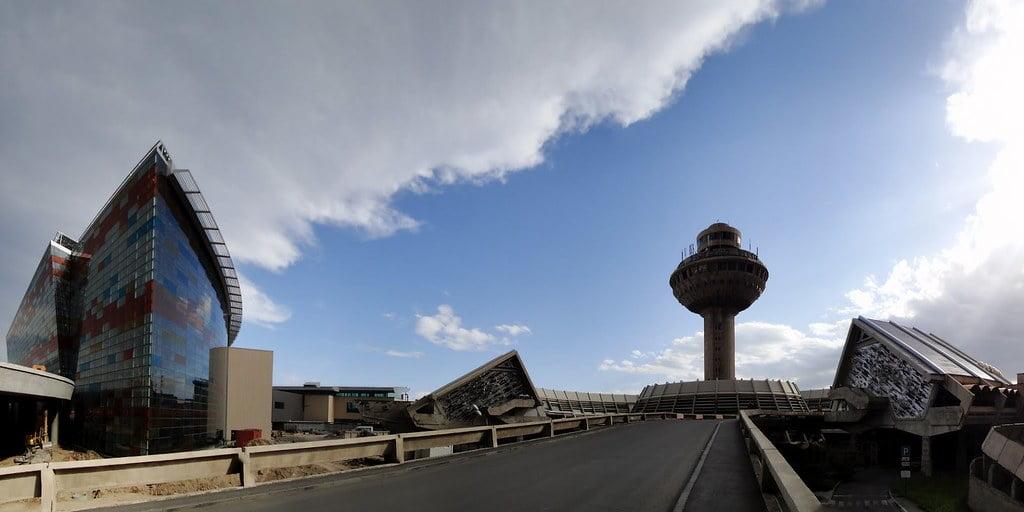 Yerevan zvartnots international airport
